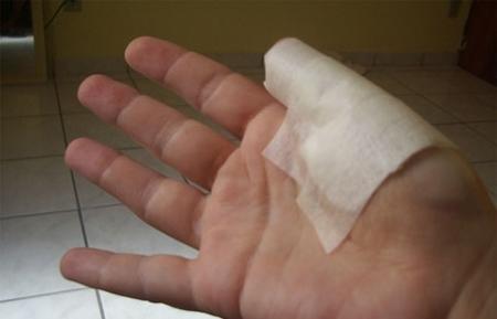 Житель Актау, откусивший палец продавцу, приговорен к шести месяцам лишения свободы