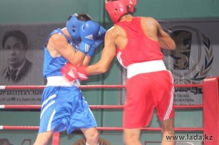 Боксеры Актау заняли первое место в областном турнире по боксу