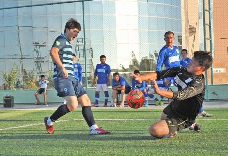 Выбери лучший гол турнира по мини-футболу среди нефтяников