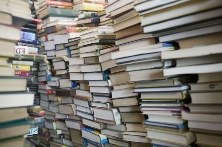 Родители актауских школьников пожаловались на нехватку учебников