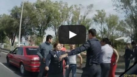 В Караганде женщина-полицейский мужественно разнимала массовую драку