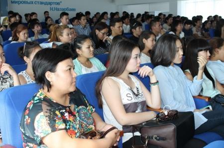 Прокурор Актау призвал студентов соблюдать чистоту в городе