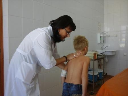 В Актау увеличилось число детей со сколиозом