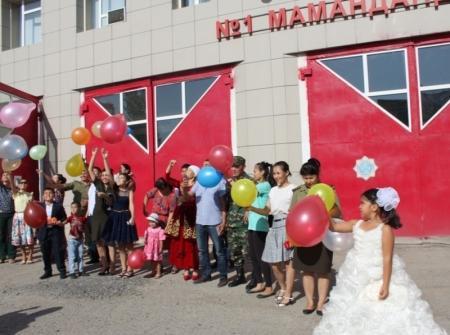 В службе пожаротушения Актау чествовали многодетные семьи спасателей