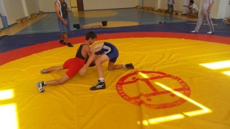 В Мунайлы прошли соревнования по вольной борьбе