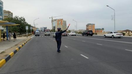 Сотрудники административной полиции выявляли на дорогах Актау водителей-должников