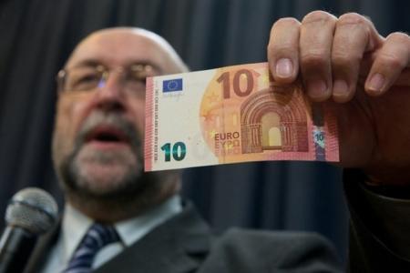 ЕЦБ представил новую банкноту достоинством 10 евро