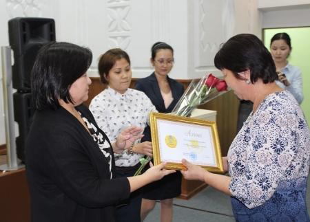 В канун Дня труда в Актау чествовали социальных работников