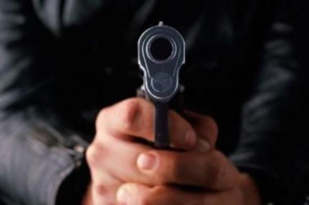В Актау бомж с помощью игрушечного пистолета ограбил 23-летнюю девушку