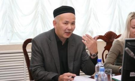 """Телибеков предлагает отменить """"День учителя"""" в Казахстане"""