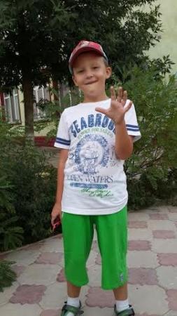 В Актау из детского сада-гимназии пропал шестилетний мальчик