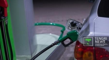 Ситуация с бензином нормализуется в октябре - Школьник