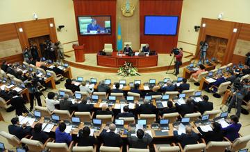 Соглашение о пребывании граждан Казахстана и РФ без регистрации до 30 дней ратифицировал Мажилис