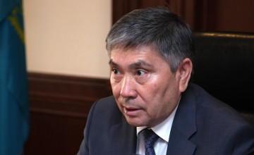 Казахстан стал дешевой автозаправочной станцией - Узакбай Карабалин
