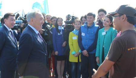 Президент Нурсултан Назарбаев встретился с молодежью Актау