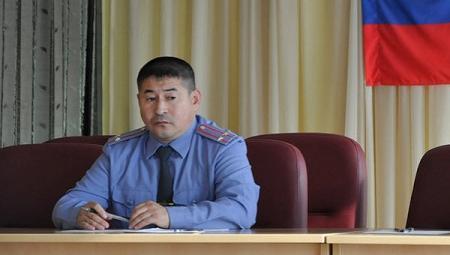 Консилиум обсуждает лечение полковника, раненного гранатой на Урале
