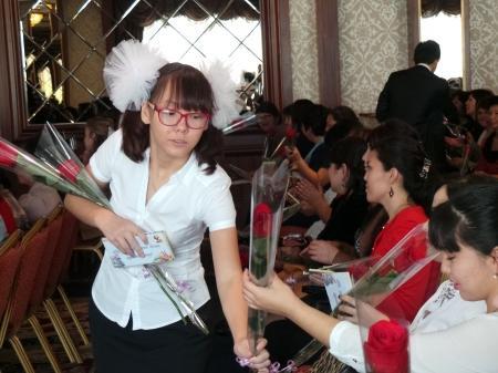 В канун Дня учителя в Актау поздравили работников сферы образования