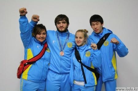 Актауские каратисты Екатерина Хуповец и Халид Халидов завоевали на  Азиаде в Инчхоне серебряную и бронзовую медали