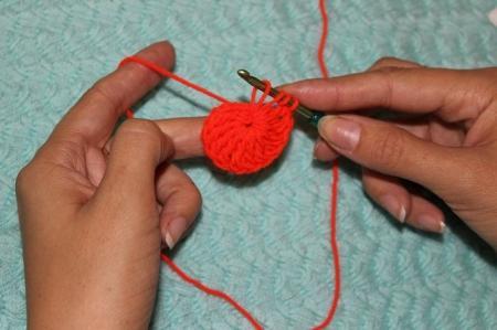 Тапочки-сапожки, связанные крючком