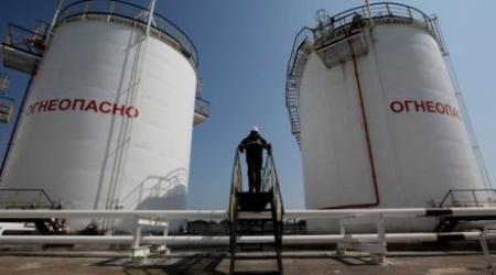 """Дефицит бензина АИ-92 в Казахстане объяснил """"человеческим"""" языком Школьник"""