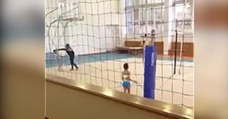 Видео с избиением юной гимнастки тренером появилось в Сети