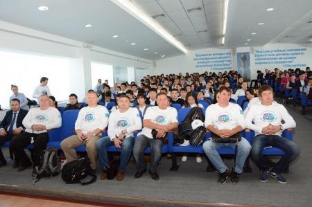 Участники автопробега «Каспий – море дружбы» добрались до Актау