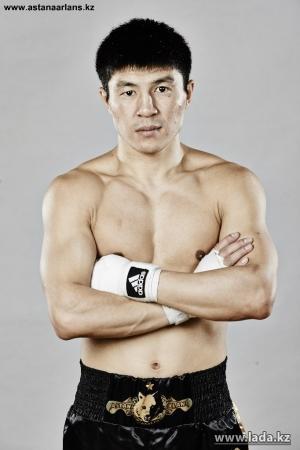 Актауский боксер Берик Абдрахманов сразится с ирландцем Джеймсом Джойсом в новом проекте Международной ассоциации бокса