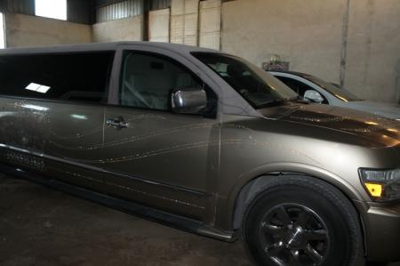 Сотрудники ДПС Актау за один день водворили на штрафстоянку семь автомобилей из свадебных кортежей