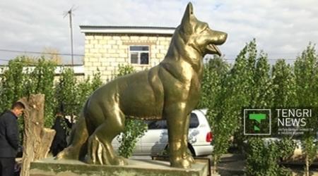 Памятник собаке за службу в Афганистане поставили в Актобе