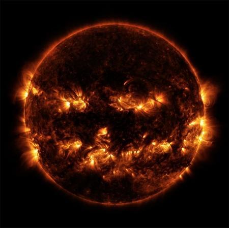 NASA получило изображение Солнца в виде тыквы