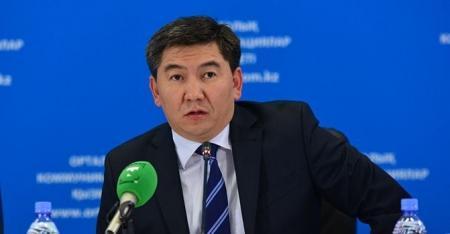 Министр Саринжипов не считает домашние задания школьников незаконным занятием