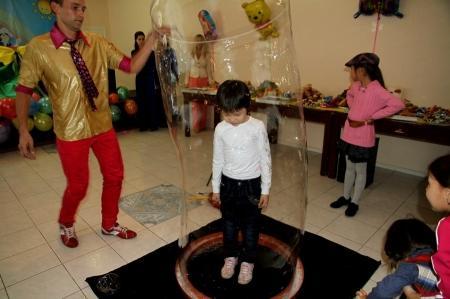 Актауским сиротам устроили «Самый счастливый день»