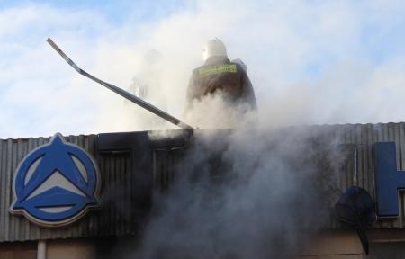 При пожаре в автосервисе «У Николая» никто не пострадал