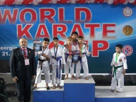 Актауские каратисты привезли с Кубка мира четыре золотые медали