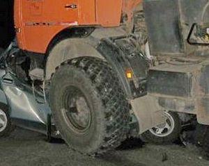 В Мангистау в крупной дорожной аварии погиб пограничник и шестилетний ребенок