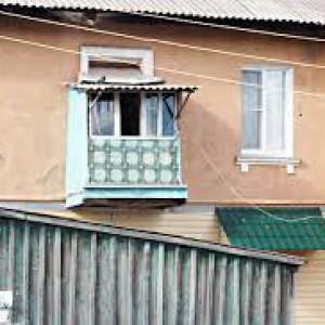 Чтобы в домах казахстанцев было теплее, депутат предложил делать маленькие окна