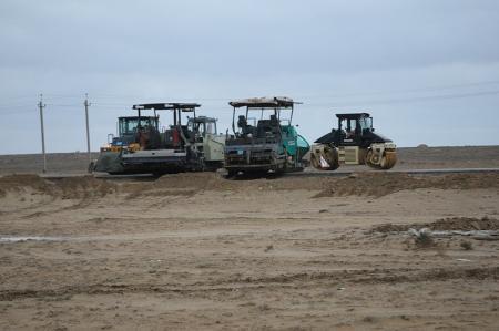 Водители и пассажиры автобусов возмущены долгим ремонтом дороги Актау - Курык
