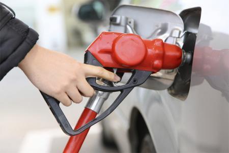 В Казахстан планируется импорт 400 000 тонн бензина - Казмунайгаз