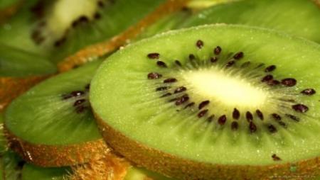 """Казахстанские врачи-диетологи назвали самый полезный """"зимний"""" фрукт"""