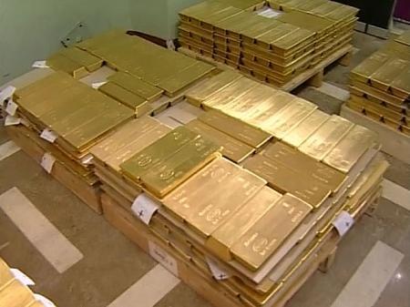 Нацбанк Казахстана ищет спасение от доллара в золоте