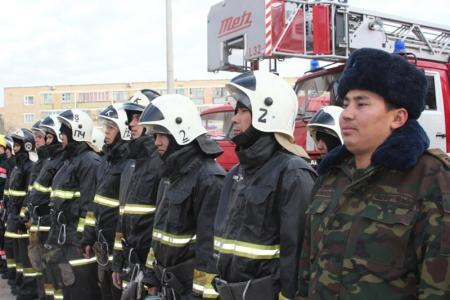 Мангистауские пожарные провели учения в гуманитарном колледже