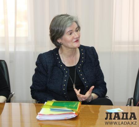 Посол Великобритании Кэролин Браун посетила Актау