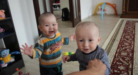 Отказаться от детских домов предложили в Казахстане