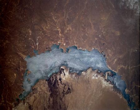 Как китайцы хотят выпить крупнейшее озеро Средней Азии