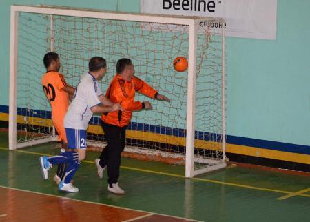 В Актау продолжается ветеранский турнир по футзалу «Память»