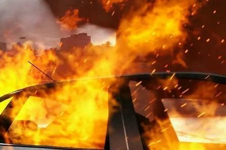 В Жанаозене в одном из гаражей полностью сгорел автомобиль Toyota Land Cruiser 100