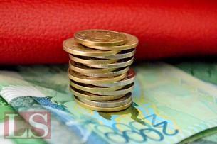Национальный банк может «отпустить» тенге