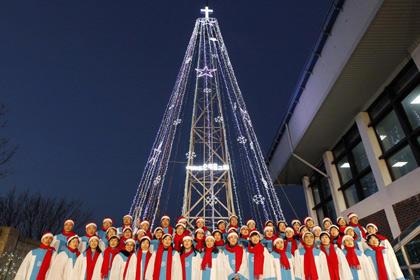 КНДР пригрозила разбомбить южнокорейскую рождественскую ель