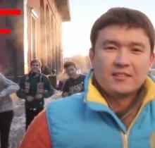 Песню про казахские буквы спел шоумен Даут Шайхисламов