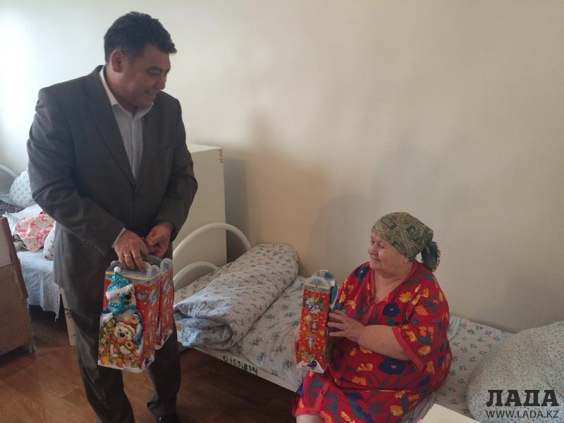 Прошел благотворительный концерт в доме престарелых педикюр для пожилых на дому г.королев